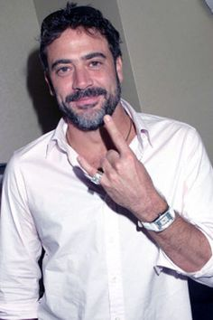 Jeffrey Dean Morgan -btw, my crush on him has nothing to do with Grey's Anatomy but everything to do with Supernatural.