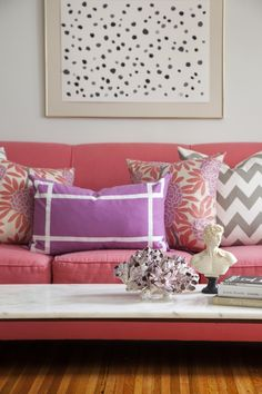 Simple and pretty pink living room