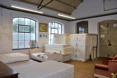 Beds and mattresses in the secondhand superstore