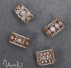 32 Ideas For Manicure Red Gold Art Designs Gold Rings Jewelry, Jewelry Design Earrings, Gold Earrings Designs, Necklace Designs, Diamond Jewelry, Stylish Jewelry, Cute Jewelry, Gold Ring Designs, Indian Jewelry