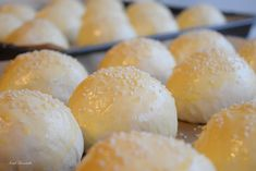 Chifle cu susan – IONEL TARNOVESKI Hamburger, Bread, Cooking, Food, Recipe, Kitchen, Brot, Essen, Baking
