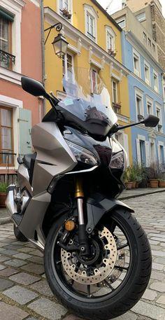 #citylife #bikeloc #louer #location #fashion #moto #city #libertypiaggio #750cc #piaggio #forza #moto750 #paris #location #rent #travel #france #moto #balade #paris #garedelyon #pinterest #lifestyle #motolife #honda #forza750