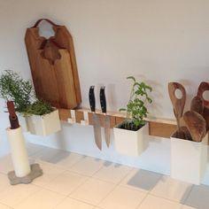 Het Flex systeem van Gejst Design is toch een aanwinst voor elke keuken! #messenmagneet #keukenrolhouder #keukenaccessoires #deensdesign #pureliving #byjensen #Repost @gejstdesign ・・・ Yet another super cool FLEX setup!! #flex #kitchen #magnetic #gejst #gejstdesign #dk #design #danskdesign #danishdesign #køkkeninspiration #køkken