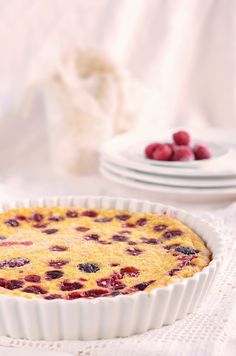 Erdei gyümölcsös túrós tejespite / tejpite recept Cottage cheese clafoutis recipe with berries Mousse Cake, Cake Designs, Muffin, Sweets, Snacks, Breakfast, Food, Morning Coffee, Appetizers