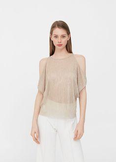 Camiseta textura aberturas | MANGO