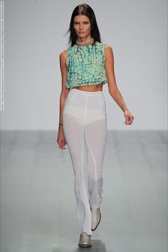 Felder Felder (Spring-Summer 2015) R-T-W Collection at London Fashion Week  #BriaCondon #CassieGardner #CharlotteCoquelin #DanielaAciu #DoraStastna #EveDelf #FelderFelder #IsabelScholten #KrissBarupa #LeahdeWavrin #London #RamonaChmura #TajaFeistner