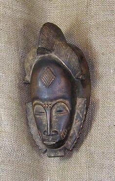 African Mask Baule African Artists, African Tribes, Arte Tribal, Tribal Art, African Sculptures, Art Premier, Venetian Masks, Leather Art, Beautiful Mask