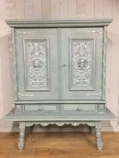 A reproduction piece in Breton style, which has travelled all the way from France for a fancy face lift. Painted in Duck Egg Blue and Original Chalk Paint, sealed with clear wax, and highlighted with silver leaf Rub n' Buff, it is a real statement piece.
