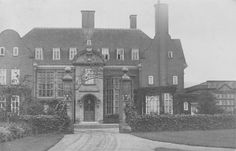 Cavenham Hall, Suffolk, was demolished in 1949 Abandoned Mansions, Abandoned Buildings, Abandoned Places, Welsh Country, British Country, English Manor Houses, English House, British Architecture, Castle Pictures