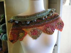 ♥♥♥  Ravelry: SpinSpin's Not Your Granny's Scarflet