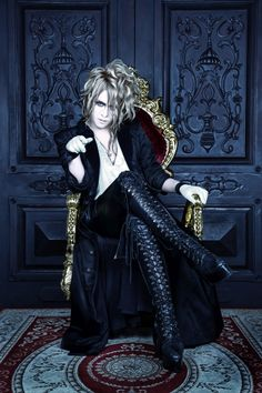 "KAMIJO new artist photo supplied for a new single ""Castrato"" La nuova foto di KAMIJO fornita per il nuovo singolo ""Castrato"" ù Source: CD JAPAN Official Twitter"