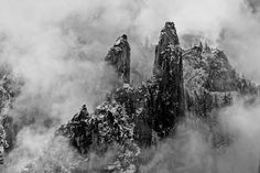 The Synthesis of Chinese Landscape Painting and Photography, Winter storm, Yosemite, George deWolfe