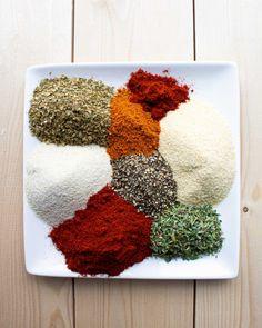 Roasted Red Pepper Vinaigrette - Kit's Kitchen Salt Free Seasoning, Creole Seasoning, Bacon Bowl, Mango Dressing, Sweet Red Pepper, White Balsamic Vinegar, Cajun Cooking, Homemade Dressing, Cast Iron Cooking