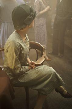 teamhousemaid:  Joanne Froggatt as Anna Bates - Downton Abbey Season 4 Episode 1