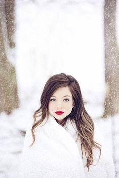 Kentucky Wedding Photographer | Fun in the Snow!