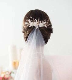Reason elegant piece is crafted by the owner of Gilded Shadows herself. With that kind of dedication, you know your piece will be of the highest quality!Wedding Hair Comb Gold Bridal HairpieceShop Now: Gilded Shadows Wedding Hair Down, Hair Comb Wedding, Wedding Hair Pieces, Headpiece Wedding, Bridal Headpieces, Bridal Comb, Wedding Veils, Wedding Rings, Wedding Dresses