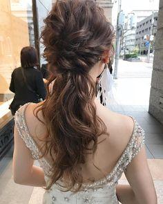 GendaiさんはInstagramを利用しています:「Wedding hair👗 朝は名古屋までヘアメイクに行ってきました! お支度だけだったので名古屋の滞在時間3時間くらいでした😂笑 #pluiehair #bridal #wedding」 Asian Wedding Makeup, Hear Style, Bridal Hair, Hair Inspiration, Wedding Hairstyles, Wedding Planning, Wedding Decorations, Hair Makeup, Hair Color