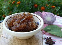 Confettura di cipolle,  sapore agrodolce è adattissima per accompagnare i formaggi stagionati e di sapore! #gialloblogs #ricetta Composta di cipolle rosse di Tropea | In cucina con Mire