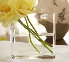 here's another idea how to arrange flowers in a rectangular vase