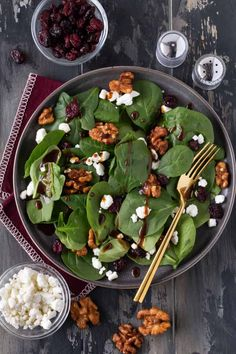 Spinach Salad with Homemade Balsamic Vinaigrette Recipe Spinach Goat Cheese Salad, Warm Spinach Salads, Simple Spinach Salad, Feta Salad, Vegetable Salads, Balsamic Vinegar Recipes, Balsamic Vinaigrette Recipe, Balsamic Dressing, Vinaigrette Dressing