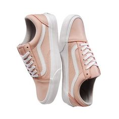 Zapatillas Vans Old Skool Cuero Rosa (Z9334CU) 56 Vans Old Skool, Cool, Kicks, Shoulder, Clothes, Beauty, Shoes, Tall Clothing, Jeans And Sneakers