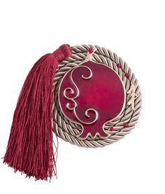 Επιτραπέζιο γούρι με ρεγιόν και κόκκινο ρόδι Diy Christmas Gifts, Diy And Crafts, Christmas Crafts, Christmas Ornaments, Holiday Decor, Lucky Charm, Tassels, Charmed, Outfit