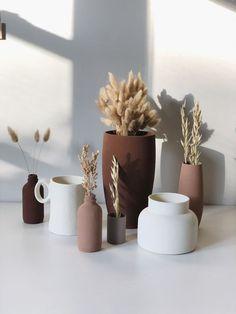Diy Painted Vases, Terracotta Paint, Old Vases, Vases Decor, Decorating With Vases, Vase Decorations, Hacks Diy, My New Room, Diy Painting