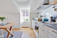 bjurfors, http://trendesso.blogspot.sk/2015/08/interesting-swedish-attic-apartment.html