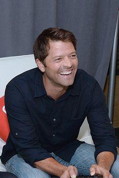 Tiger Video, Castiel, Tv Supernatural, Misha Collins, American Actors, To Youtube, Dads, Handsome, Serie Tv