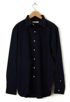 Ethical menswear: Faitrade & Organic certified Navy Men's Oxford Shirt | Arthur & Henry