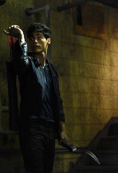 Matthew Daddario FANS — magnusbane-aleclightwood:   New Alec still of the...