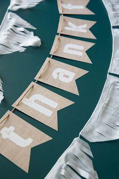 Cartes bannière Bunting Signe rustique Cartes Mariage Guirlande Blanc grandes lettres