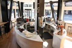 Reveille North Beach is one of several independent coffeehouses that have positioned their coffee bars as center islands with 360-degree views of what's going on behind the counter. Photo: Andrew Paynter