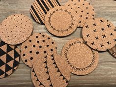 Dollar Store Crafts, Crafts To Sell, Diy And Crafts, Wood Burning Crafts, Wood Burning Patterns, Diy Gifts Last Minute, Inexpensive Stocking Stuffers, Diy Coasters, Ideias Diy