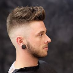 Top 100 Men's Hairstyles http://www.menshairstyletrends.com/top-100-mens-hairstyles/                                                                                                                                                                                 Más