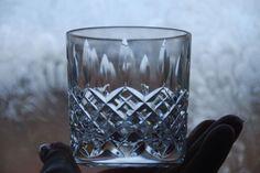 HAMPTON VINTAGE ANTIQUE EMPORIUM Description STUART CRYSTAL SHAFTESBURY CUT - WHISKY TUMBLER GLASS RUMMER Dimensions Measures 7 5cms x 7cms Condition