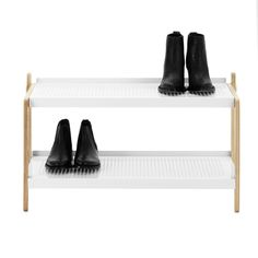 Order the Sko Shoe Rack in Scandinavian design, made by the designer Simon Legald for the manufacturer Normann Copenhagen in the home design shop. White Industrial, Industrial Design, Industrial Style, Shoe Storage Solutions, Kartell, Dot And Bo, Color Guard, Shoe Rack, Designer Shoes