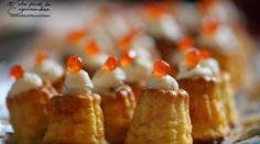 Petits cannelés au saumon pour un apéritif de fête Feta, Tea Party, Seafood, French Toast, Breakfast, Recipes, Panna Cotta, Muffins, Christmas