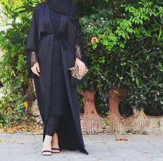 Black&lace #EsteeAudra #abaya #blacklove