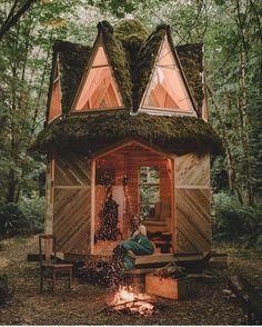 "5,400 likerklikk, 39 kommentarer – Bradley Mountain (@bradleymountain) på Instagram: ""Fall=Cabins+Fires . Photo by @kevinkinghorn Cabin built by @jacobwitzling"""