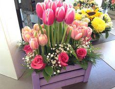 Ξεχωριστές ανθοσυνθέσεις για την Γιορτή της Μητέρας #lesfleuristes #λουλούδια #ανθοσύνθεση #ανθοπωλείο #γλυφάδα #ΓιορτήΜητέρας #MothersDay Floral Wreath, Wreaths, Home Decor, Floral Crown, Decoration Home, Door Wreaths, Room Decor, Deco Mesh Wreaths, Home Interior Design