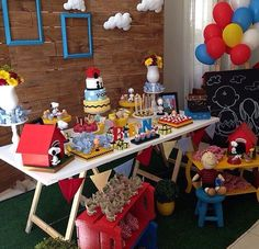 Festa Snoopy Snoopy Birthday, Snoopy Party, 3rd Birthday, Birthday Parties, Birthday Ideas, Charlie Brown Christmas, Charlie Brown And Snoopy, Coffee Drink Recipes, Birthday Party Decorations