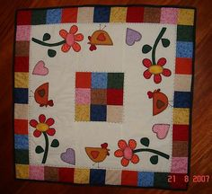 Toalha de Mesa by Quilting bee Patchwork, via Flickr
