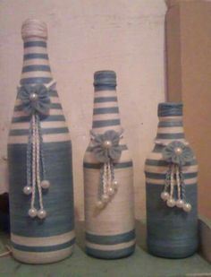 Garrafas Decoradas Liquor Bottle Crafts, Wine Bottle Art, Diy Bottle, Bottles And Jars, Glass Bottles, Wrapped Wine Bottles, Altered Bottles, Recycled Bottles, Bottle Painting
