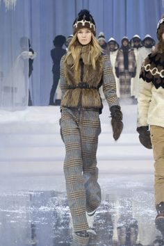 Fashion Week New York Herbst-Winter Moncler Grenoble Tartan Fashion, Ski Fashion, Fashion 2017, Runway Fashion, Winter Fashion, Fashion Trends, Moncler, Winter Outfits 2017, Winter 2017
