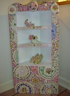 mosaic counter top for the distressed veranda cabinet