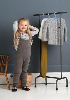 1702 Smårollinger. Strikket Snekkerbukse Leg Warmers, Baby Knitting, Merino Wool, Activities For Kids, Knitting Patterns, My Design, Beige, Pure Products, Crochet