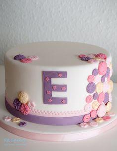 Cute as a button cake!
