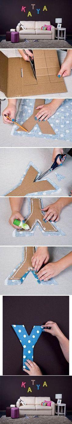 Dale un toque original a la habitación de tus hijos decorándolo con letras de tela, y pídeles que te ayuden, ¡así será más divertido! Haz clic aquí para verlo: http://www.lotsofdiy.com/great-letters-craft/