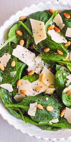 Simple Spinach Salad with Pine Nuts, Parmesan Cheese and easy homemade salad dressing. Ready in 15 minutes! This healthy spinach salad is a great addition to your family weeknight dinners. Simple Spinach Salad, Spinach Salad Recipes, Simple Spinach Recipes, Simple Salad Recipes, Baby Spinach Salads, Simple Salads, Parmesan Recipes, Parmesan Pasta, Greens Recipe
